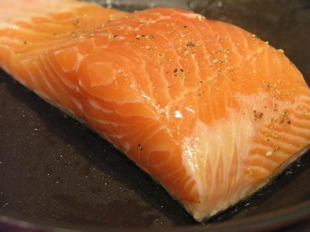 Salmon sautéeing